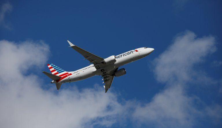 """""""Odio decir esto, pero parecía un objeto cilíndrico largo"""": un piloto de American Airlines reportó un OVNI en el cielo de Nuevo México"""