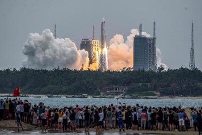 Los restos de un cohete chino caerán sobre la Tierra: expertos advierten que eso es un peligroso descuido