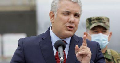 COLOMBIA El Gobierno confirma que el Consejo de Ministros condecoró a Iván Duque pese a no estar publicado en el BOE